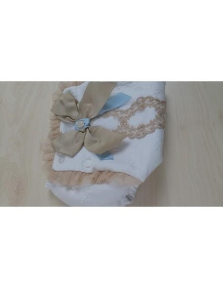 Braguita bebé blanca-camel